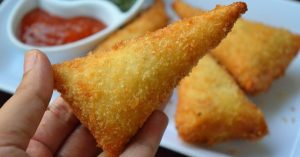 Bread Cone Samosa - Chicken Samosa by Yes I Can Cook