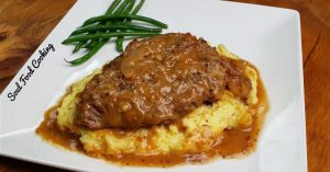 Smothered Cubed Steak and Mashed Potatoes Recipe